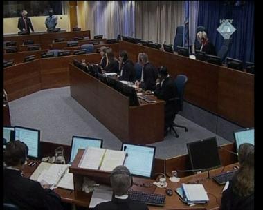 صفقة سرية بين كارادجيتش والممثل الامريكي لشؤون البوسنة