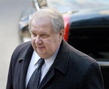 السفير الروسي الجديد لدى الولايات المتحدة يقدم أوراق اعتماده الى بوش