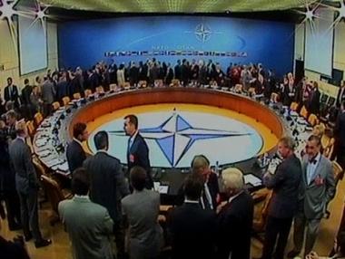 الناتو يبحث العواقب العسكرية لجو المواجهة الجديد مع روسيا