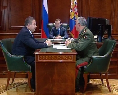 مدفيديف يصادق على خطة تدريبات إستراتيجية بين روسيا وبيلوروسيا