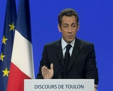 ساركوزي: ينبغي إعادة النظر في النظام المالي العالمي