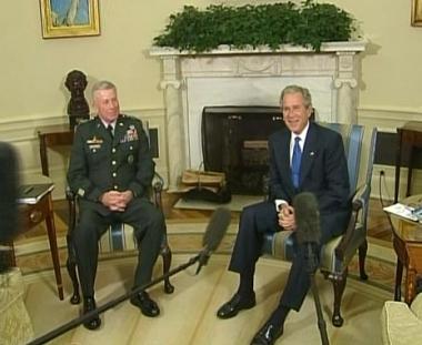 بوش يعتقد بانتصار قواته في افغانستان وقائد هذه القوات يطلب تعزيزات اضافية سريعة