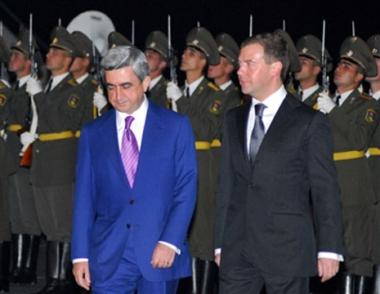 مدفيديف في أرمينيا.. ملفات متعددة والقوقاز وقره باغ على رأسها