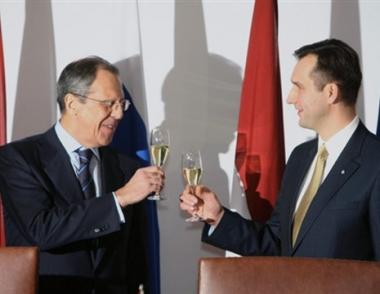روسيا ولاتفيا تناقشان مسألة تحسين وضع المواطنين اللاتفيين الناطقين باللغة الروسية