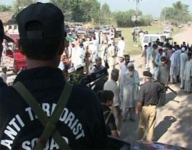 القوات الأمريكية تشرف على تدريب الحرس القبلي الباكستاني