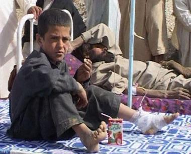 مقتل أكثر من 200 باكستاني وآلاف المشردين إثر زلزال وهزة ارتدادية
