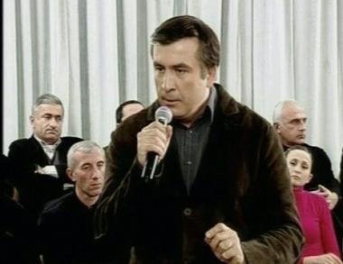 ساكاشفيلي: نحن مستعدون لإجراء نقاشات دبلوماسية مع موسكو
