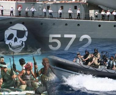 سفينة روسية تقدم اسعافات لبحارة يمنيين