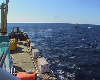 البحارة الروس يتحدثون عن حياتهم في الأسر لدى القراصنة الصوماليين