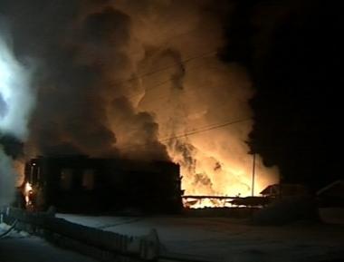 التحقيق في اسباب سقوط الضحايا في الحريق بشمال روسيا