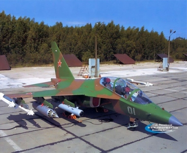 طائرة حربية تدريبية روسية تتقدم على مثيلاتها الاجنبية