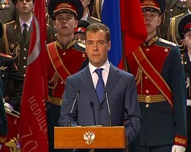 مدفيديف : لا توجد لدى روسيا خطط عدوانية لكنها ستعزز قدراتها القتالية