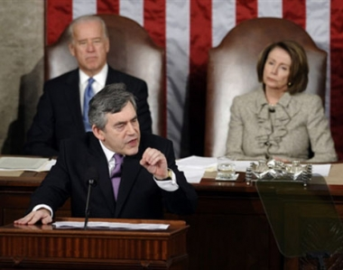 براون يدعو امريكا الى التطلع نحو المستقبل بتفاؤل بالرغم من