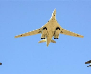قاذفات استراتيجية روسية تجري تجارب ناجحة على إطلاق صواريخ مجنحة