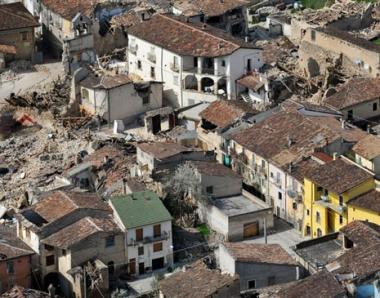 روسيا ترسل 8 خبراء إلى إيطاليا لتقييم الأضرار من زلزال لاكويلا