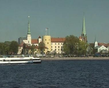 هل يحل الإستنساخ ما عجز عن تحقيقه الساسة في لاتفيا؟