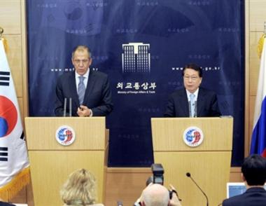 لافروف: كوريا الشمالية غير مستعدة للعودة إلى طاولة المفاوضات بشأن ملفها النووي