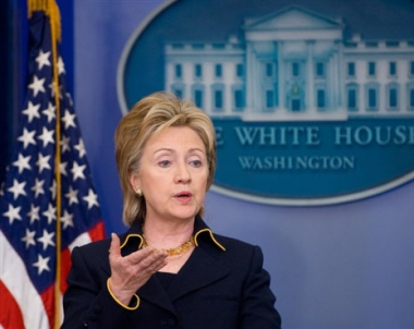 كلينتون: واشنطن ترغب في إقامة علاقات بناءة وأكثر صراحة مع موسكو