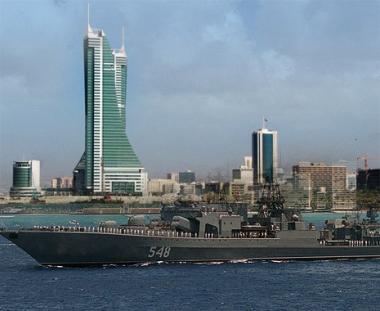 مجموعة من السفن البحرية الروسية  تزور ميناء المنامة