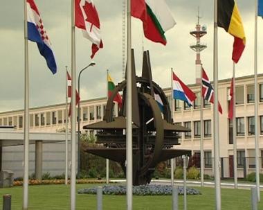 روغوزين: الناتو يبدأ