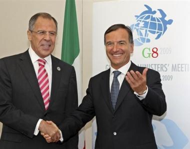 لافروف يناقش مع نظيره الإيطالي مسألة حظر نشر الأسلحة النووية