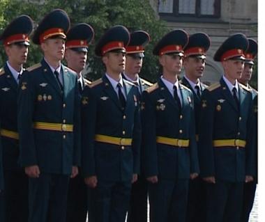 احتفال تخرج طلاب الكلية العسكرية العليا للقادة بموسكو