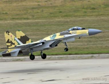 المقاتله سو- 35 الروسيه