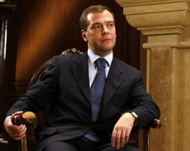 مدفيديف ينتظر نتائج ملموسة من القمة الروسية الامريكية المرتقبة في موسكو