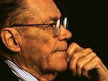 وفاة ماكنمارا وزير الدفاع الامريكي الاسبق