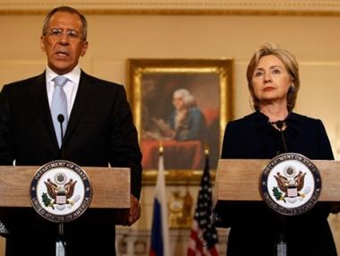 الخارجية الأمريكية: كلينتون تتوقع محادثات صعبة في موسكو