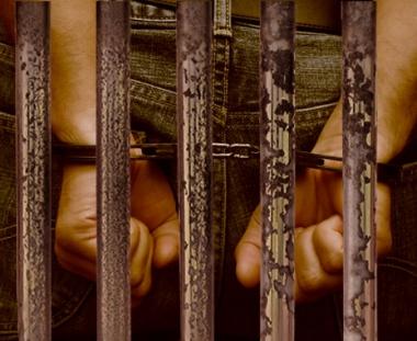 شاب تونسي يحقق حلمه في الدخول الى السجن