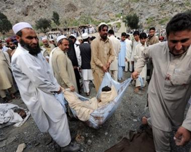 12 قتيلا في انفجار عنيف غرب افغانستان