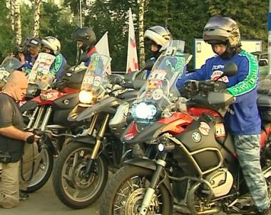 انطلاق مسيرة البايكرز إلى تسخينفال من أجل السلام