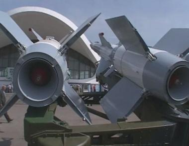 بوليفيا تطلب قرضا من روسيا لشراء معدات عسكرية