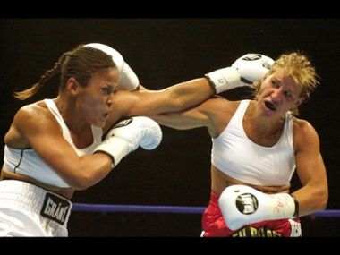 ملاكمة النواعم تدخل منافسات اولمبياد لندن