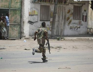 مقتل 20  شخصا على الاقل في تجدد الاشتباكات بمقديشو