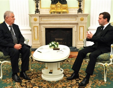 مدفيديف يؤكد أهمية تطوير العلاقات بين روسيا ومولدافيا