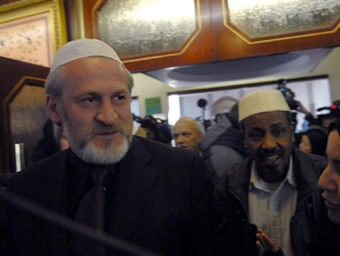 الانفصاليون الشيشان يحكمون على زكاييف بالإعدام