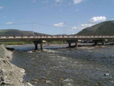 مقتل شخص وفقدان آخريْن في انهيار سد مياه بالشرق الأقصى الروسي