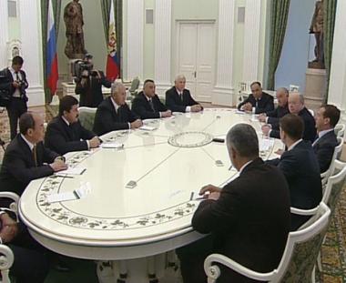 مدفيديف يعقد اجتماعا مع قادة الاجهزة الامنية في دول رابطة الدول المستقلة