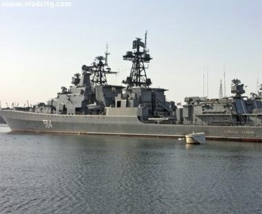سفينة حربية روسية انجزت مهمة مرافقة 18 سفينة تجارية في خليج عدن