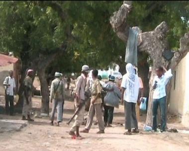 مقتل11 شخصا في انفجارين هزا قاعدة لقوات حفظ السلام الافريقية في الصومال