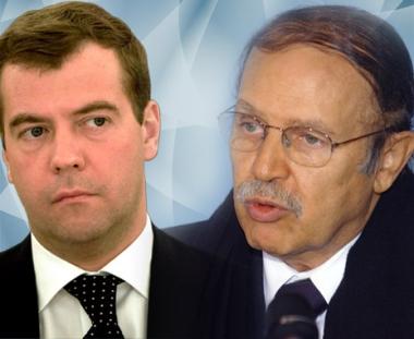مدفيديف يبحث مع الرئيس الجزائري بوتفليقة المسائل الاقتصادية والصلات الانسانية