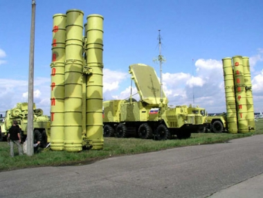 مصدر روسي:  قد تتراجع موسكو عن تزويد ايران بصواريخ