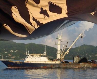 ممثل السفينة التايلندية المختطفة في المحيط الهادئ يؤكد سلامة البحارة الروس على متنها