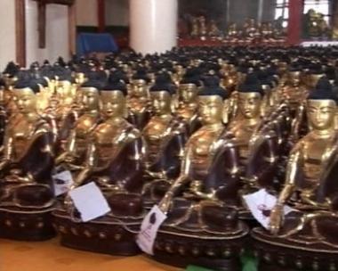 جمهورية تيفا تحتفل باحد الاعياد المكرسة لبوذا