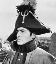 تيخونوف في دور الامير اندريه بولكونسكي في الفيلم الحرب والسلام