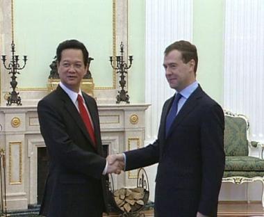 مدفيديف يعرب عن الارتياح من نمو التبادل التجاري بين روسيا وفيتنام