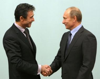بوتين:  توحيد الجهود بين روسيا والناتو في مكافحة الارهاب  يمكن ان يعطي ثمارا جيدة