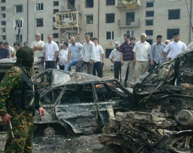 مقتل شخص واصابة 23 آخرين في تفجير انتحاري بانغوشيا الروسية